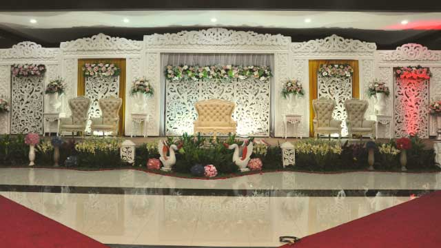 Dekorasi Pelaminan Wedding di Graha Zeni