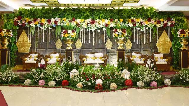 Dekorasi Pelaminan Wedding di Gedung PU