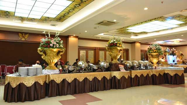 Dekorasi Buffet Wedding di Gedung PU
