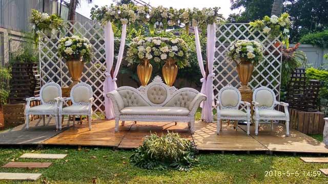 Dekorasi Pelaminan Wedding di Villa Mediapura