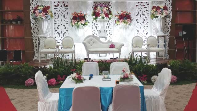 Dekorasi Pelaminan Wedding di Kimia Farma Learning Center