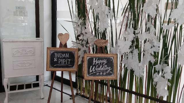 Dekorasi Wedding di Kimia Farma Learning Center