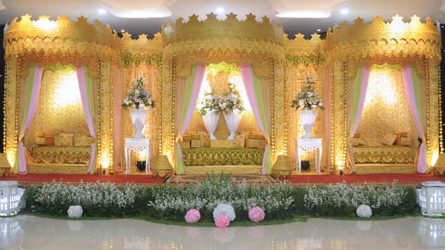 Dekorasi Pelaminan Wedding di Graha Zeni