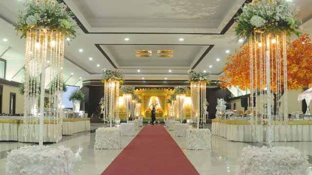 Dekorasi Standing Wedding di Graha Zeni