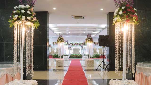 Dekorasi Wedding di Masjid Assahara Kembangan