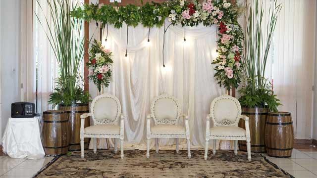 Dekorasi Pelaminan Wedding di Aula Kecil Hotel 678 Cawang
