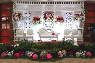 Pernikahan di Aula